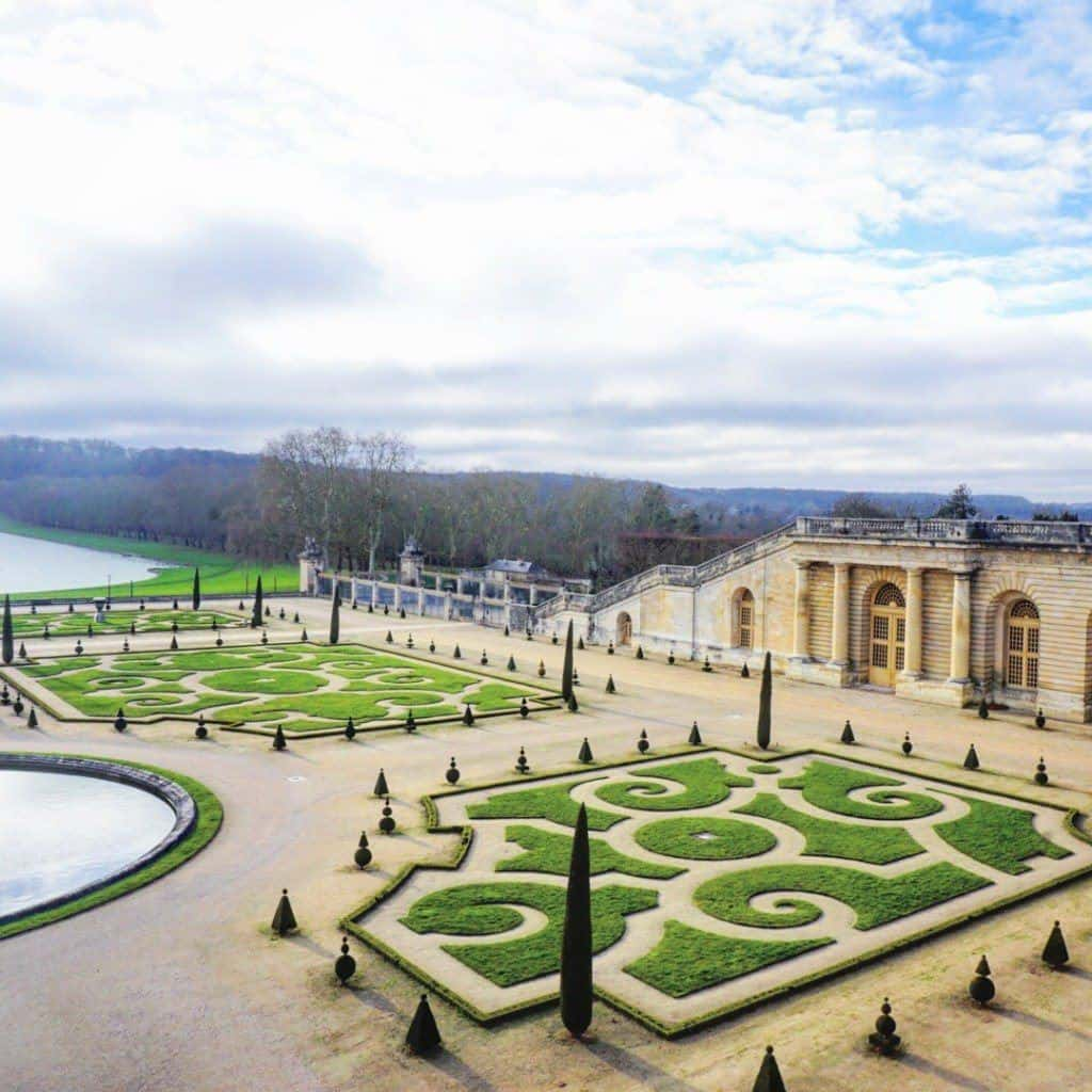 versailles-gardens-guide-to-versailles town