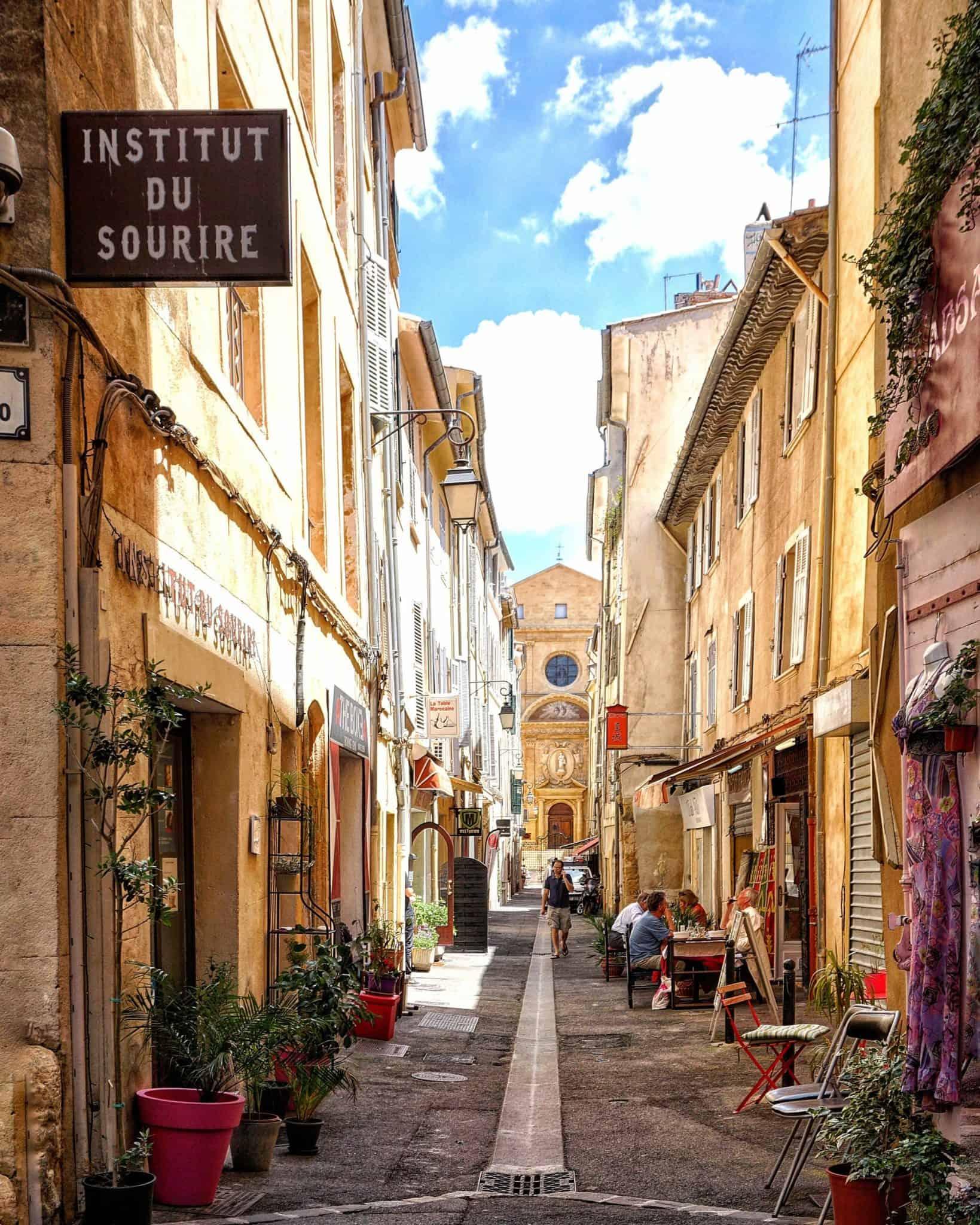 reasons to visit provence