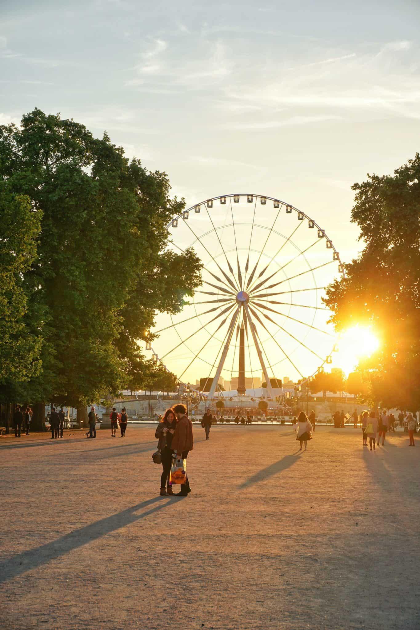 fairground in jardin des tuileries