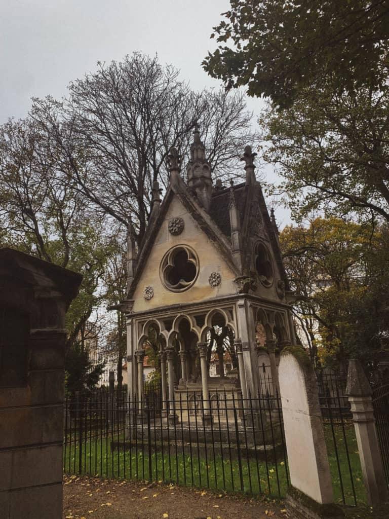 abelard and heloise grave