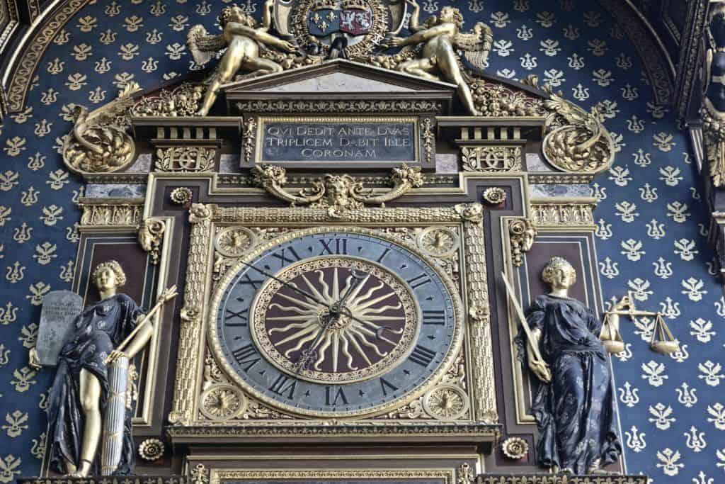 oldest clock in paris
