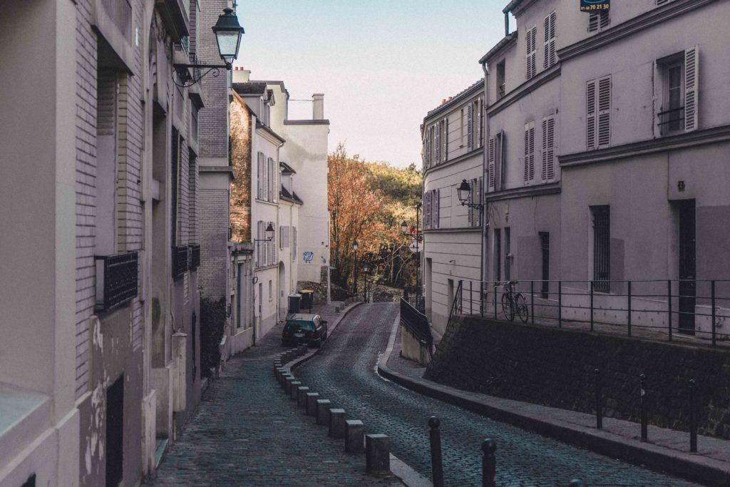 In the Autumn, enjoy the fall foliage of Montmartre