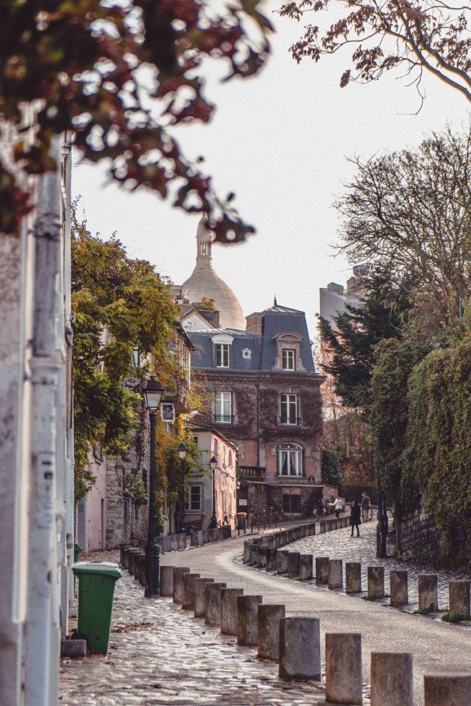 Montmartre travel tips for visiting the 18th arrondissement of Paris, France