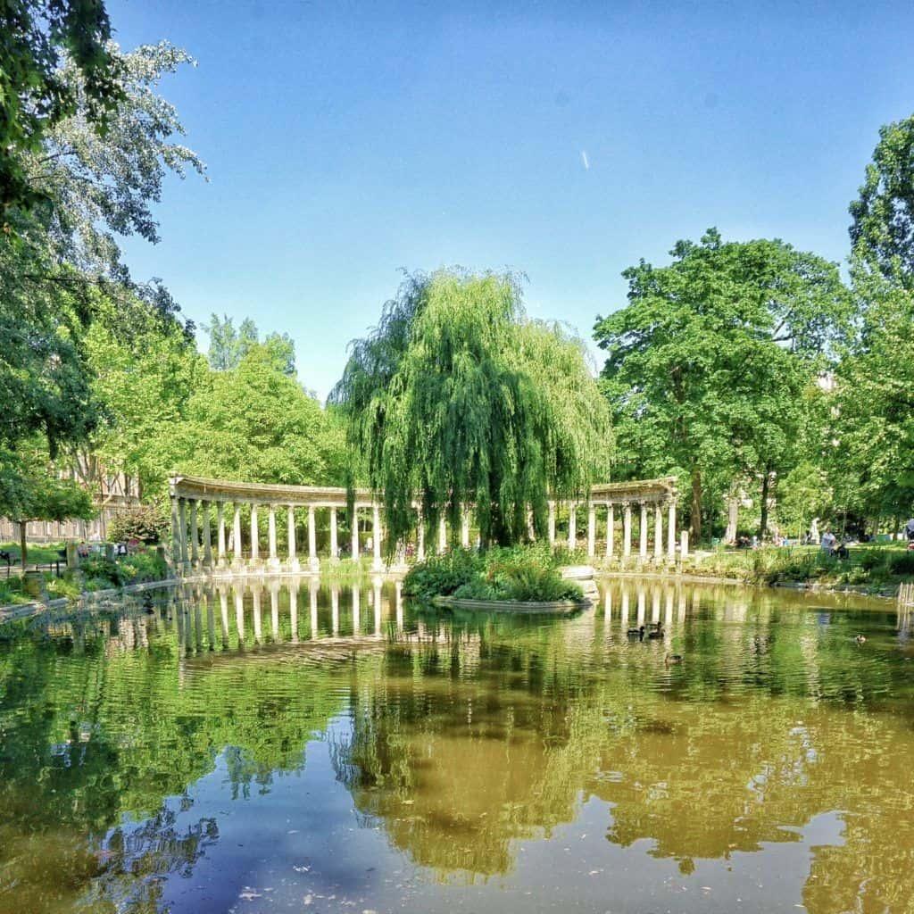 best picnic spots in paris parc monceau
