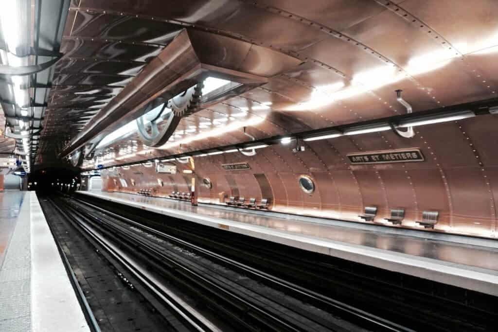 arts et metiers metro station paris france