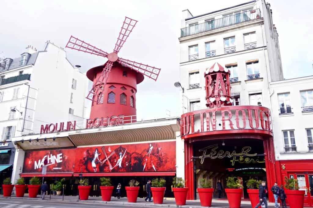 moulin rouge pigalle paris