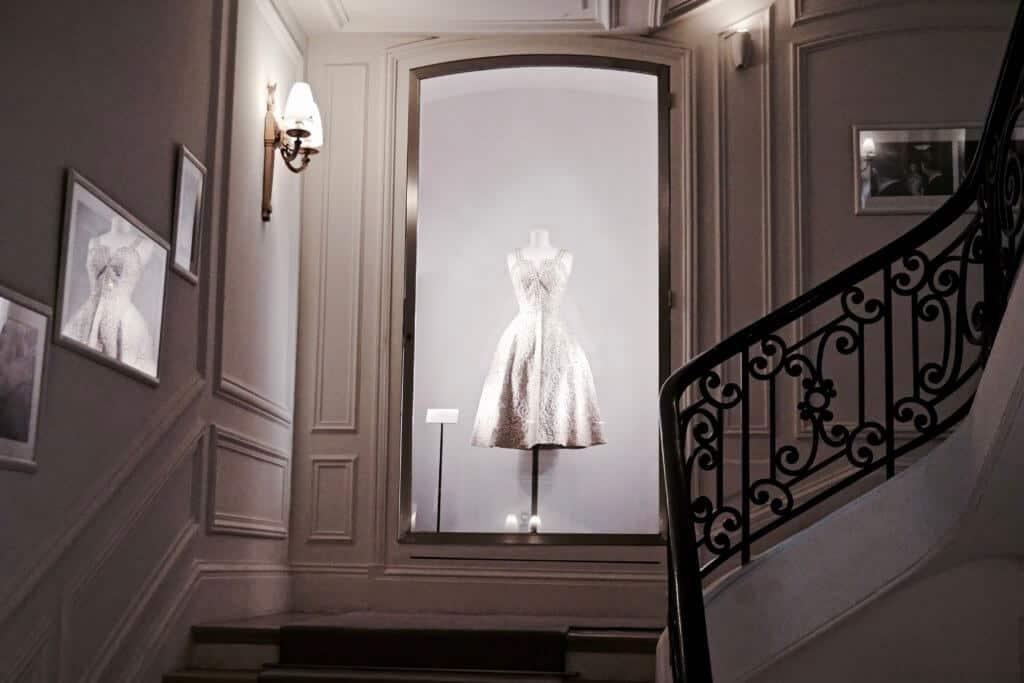 Inside Dior Atelier Design House, Paris- 30 Avenue Montaigne   solosophie