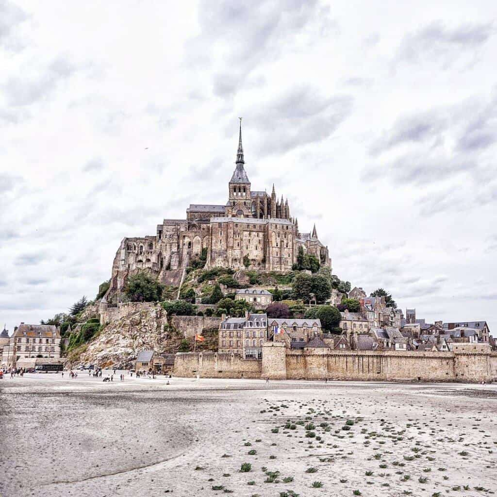 tips for visiting mont saint michel normandy france