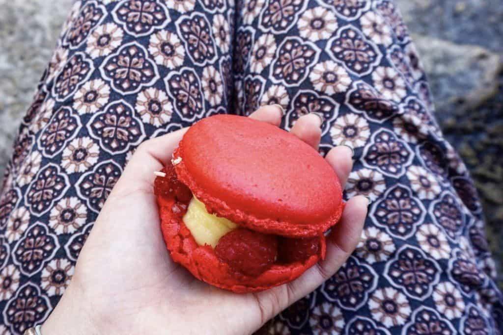 best desserts in paris: a macaron