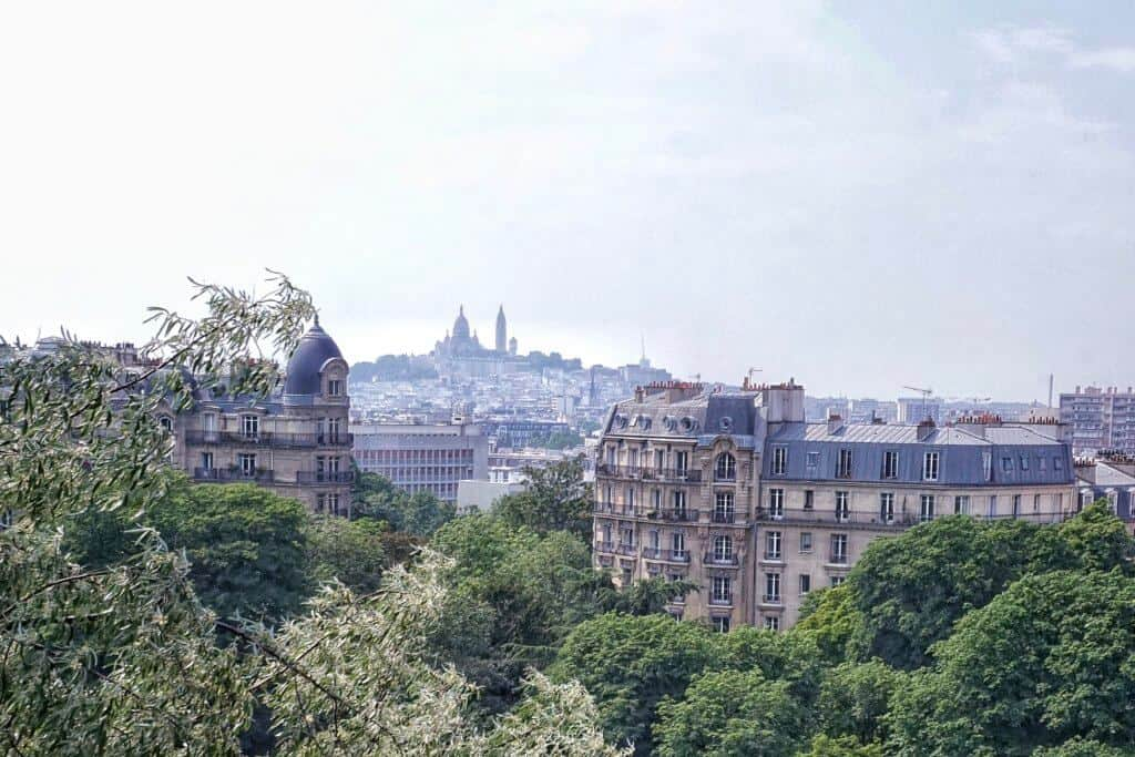 Buttes Chaumont: unusual places to see the sacre coeur in paris