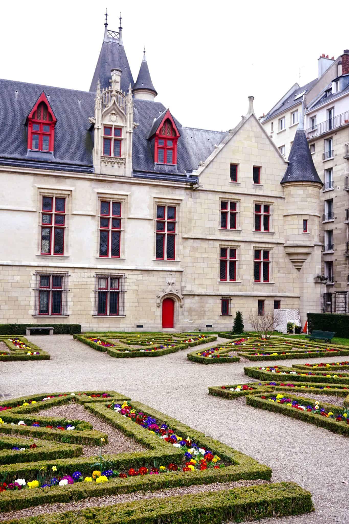 Hotel de Sens Gardens, Paris, France
