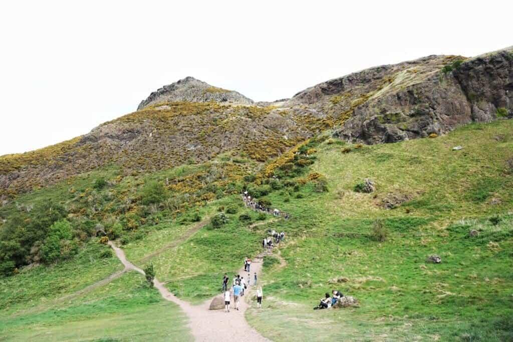 Hiking Arthur's Seat : Climbing an Extinct Volcano in Edinburgh, Scotland
