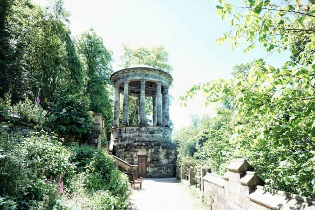 water of leith walkway edinburgh scotland
