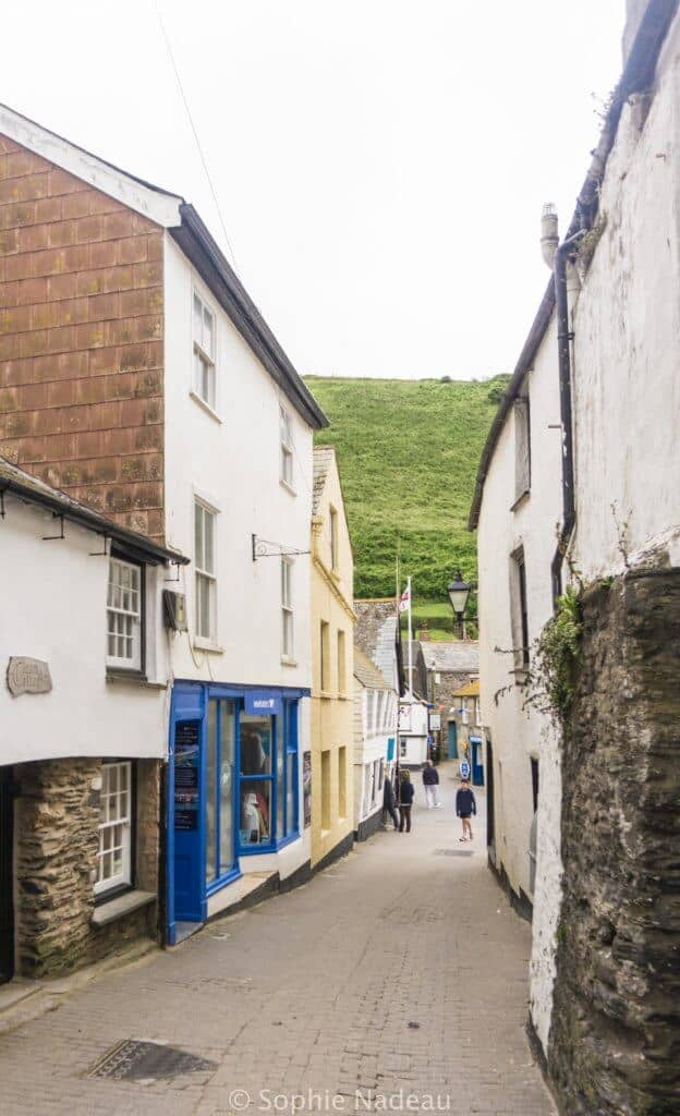 Port Isaac: A traditional 14th Century Fishing village in Cornwall, England