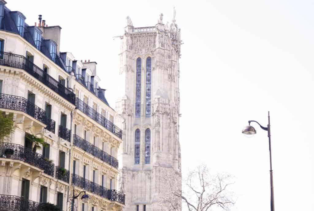 Tour Saint-Jacques: old walking tour of paris