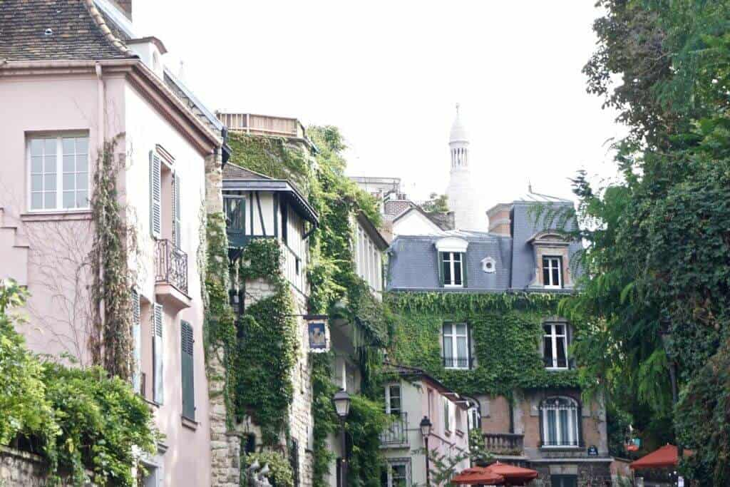 Montmartre Walking Tour: