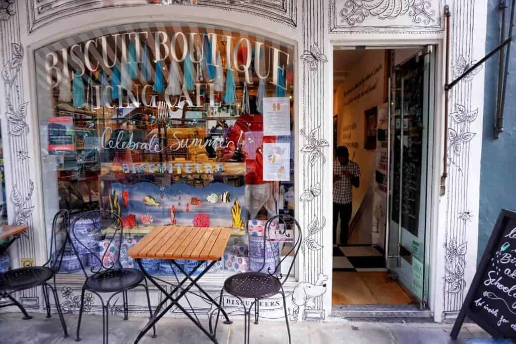 Cutest Cafés in London, England you won't want to miss: Biscuiteers, Notting Hill