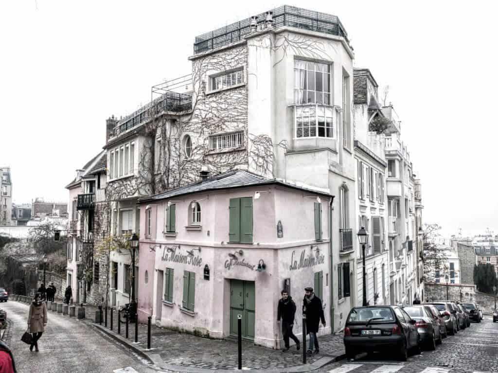 Montmartre Walking Tour: La Maison Rose