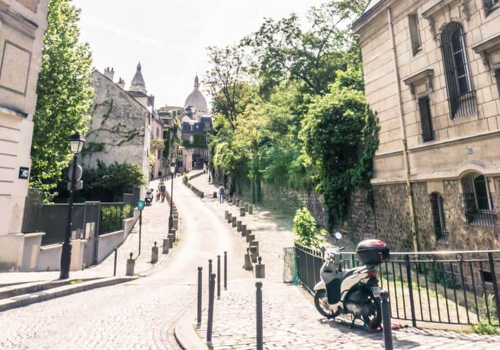 10 very good reasons to love Montmartre. And why you should visit the 18e arrondissement in Paris, France!