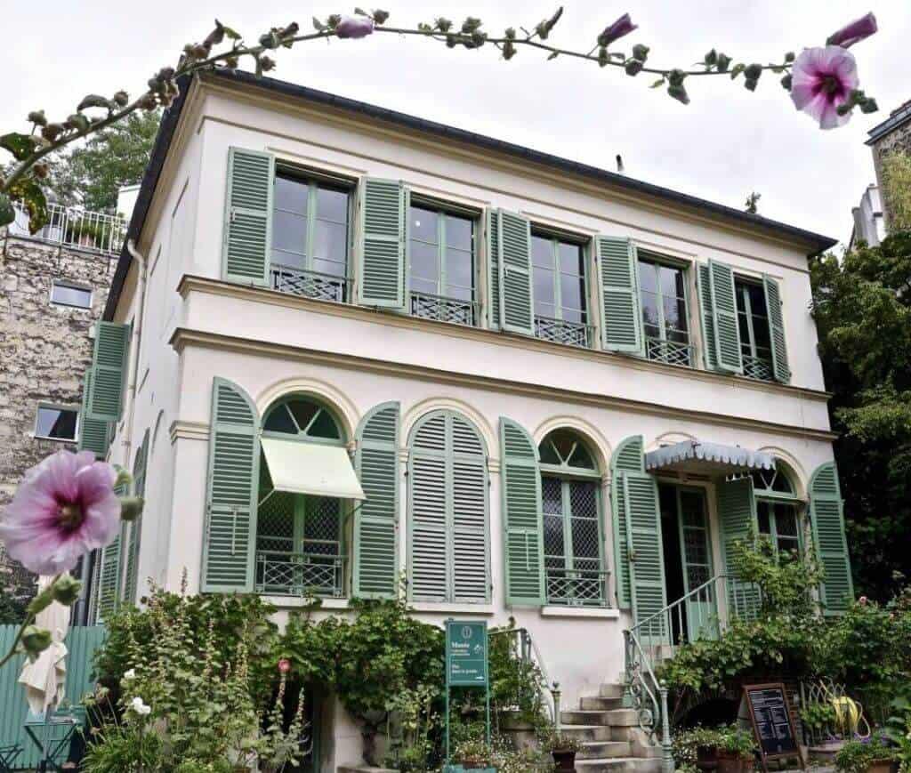 offbeat paris destinations: musée de la vie romantique