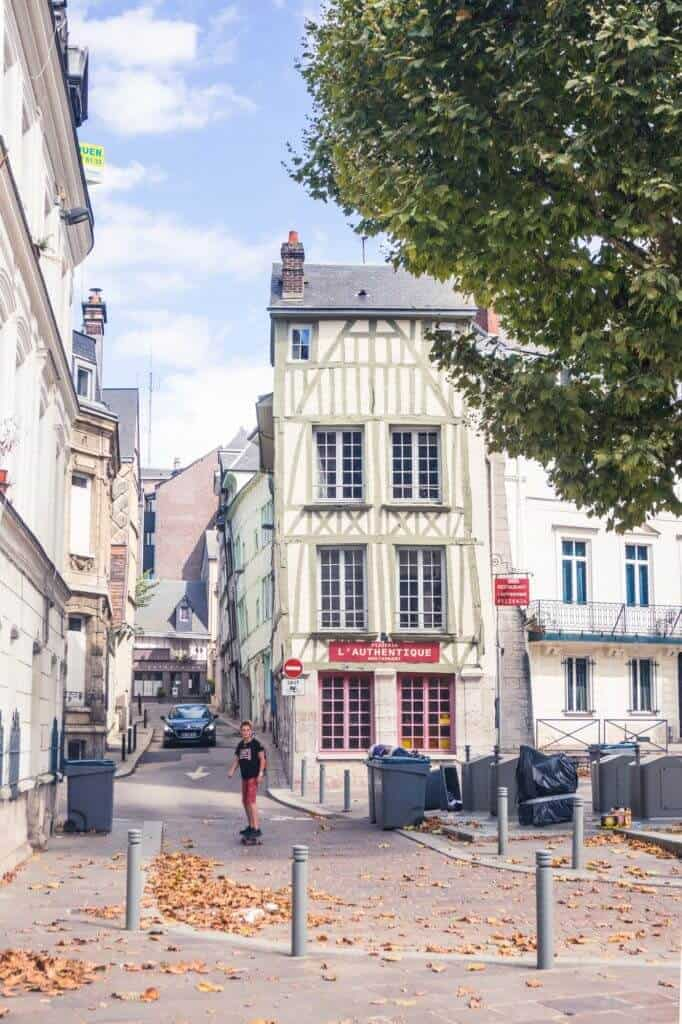 Best things to do in Rouen, Normandy, Northern France! Acitivites, places to go and history to see in Rouen.