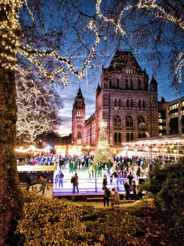 Christmas things to do in London, England: a complete guide and itinerary for festive things to do in the capital of the UK!