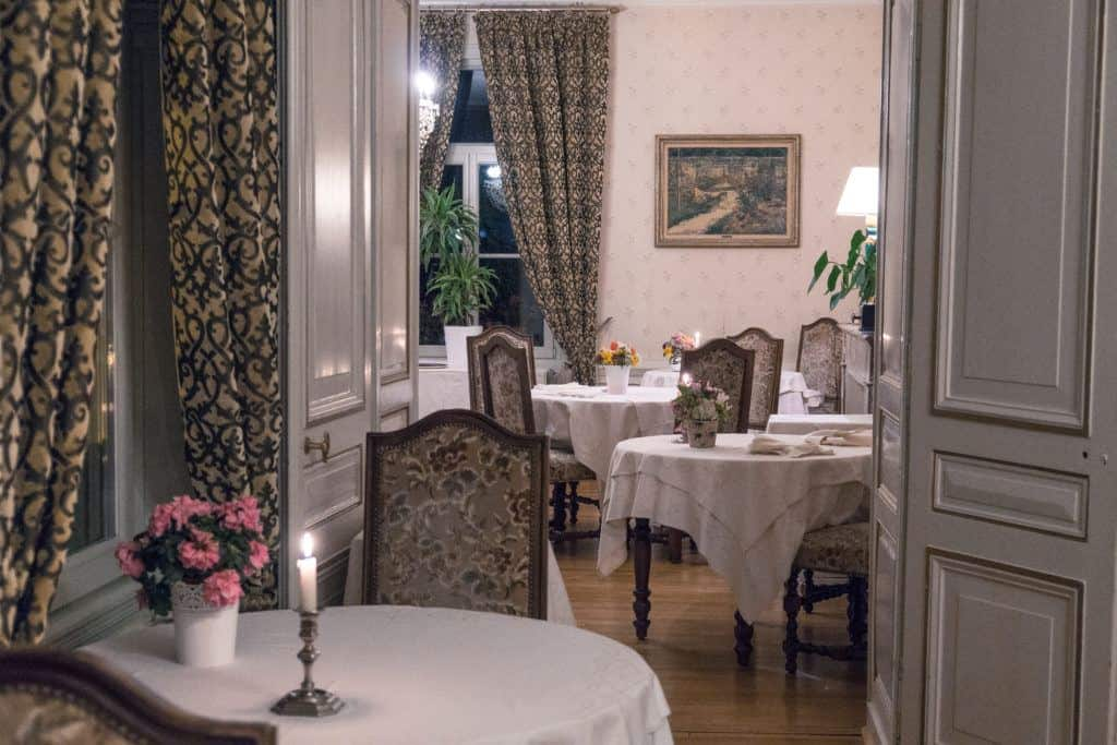 Château des Monthairons: a stay in a French château near Verdun, Meuse, France: dining room
