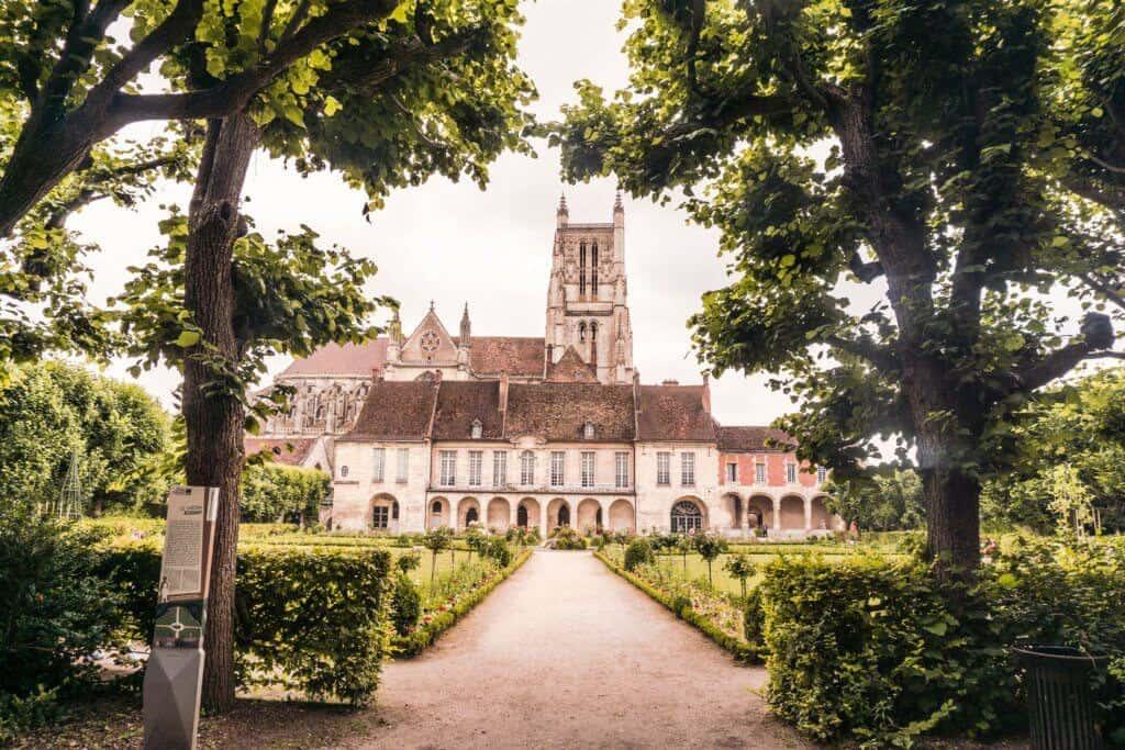 Pretty French towns near Paris: Meaux