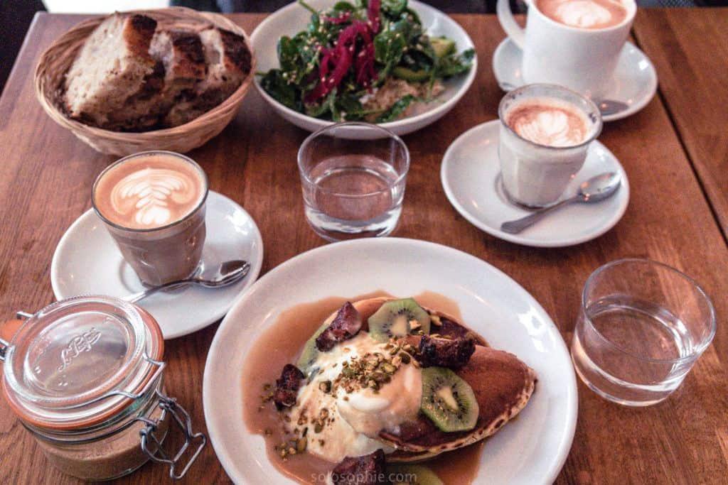 Café Mericourt Review: Coffee shop in the 11e arrondissement of Paris, France (specialty coffees and brunch menu)