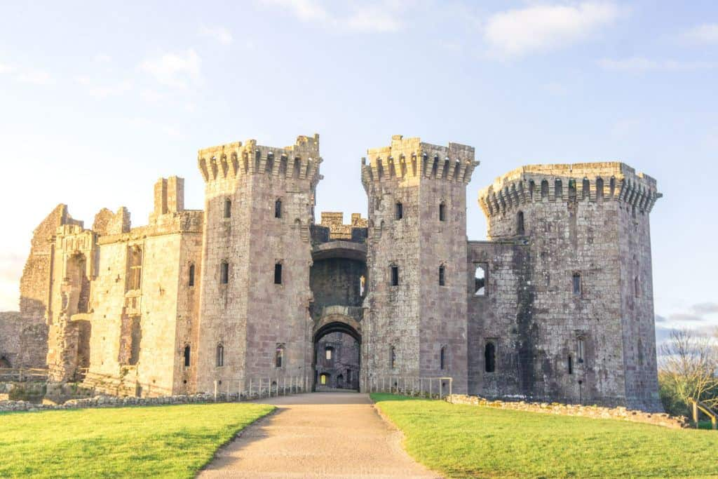 How to spend three days in England and Wales: a 72 hour road trip around gems of South West England and Southern Wales: Brecon Beacons, Wells, Tretower, Castles, Hay-on-Wye etc.: Raglan Castle