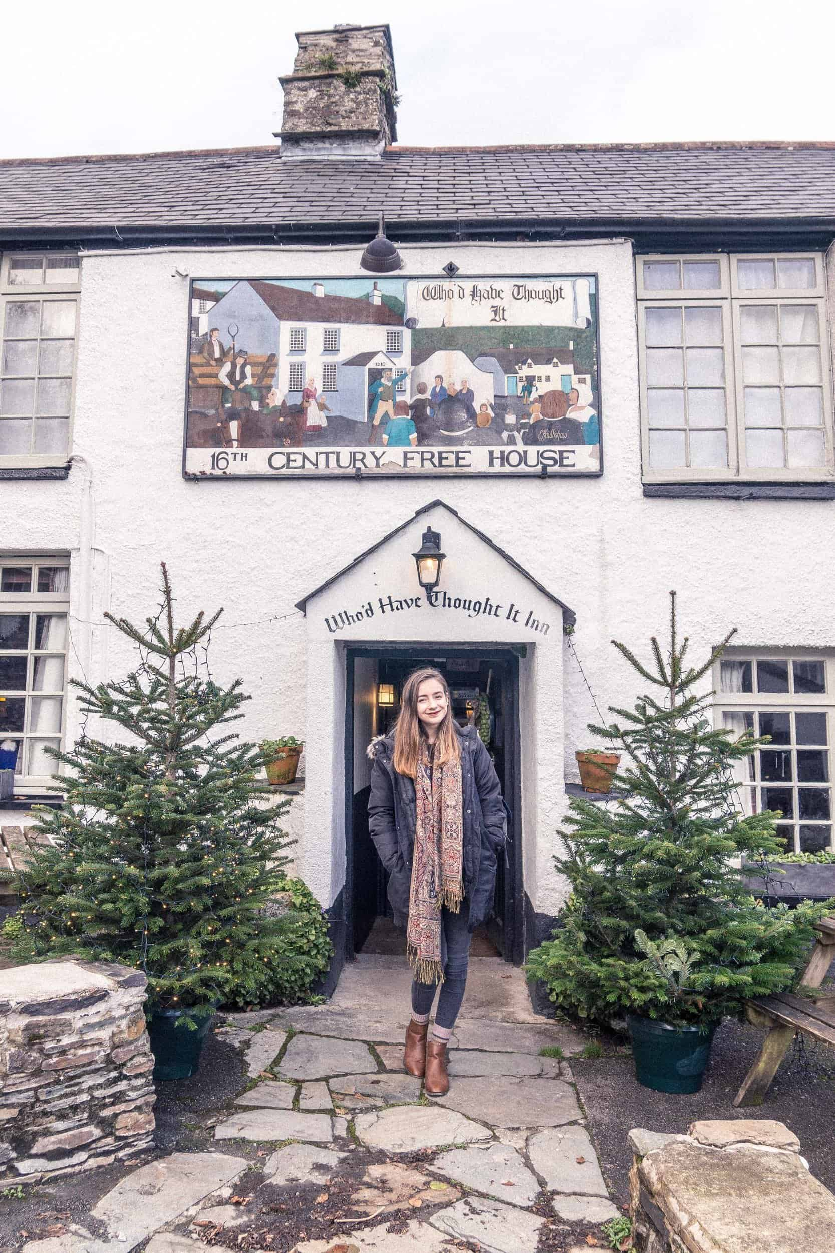 the who'd have thought it inn: A visit to a little 16th-Century pub near Yelverton, Devon, England. The Who'd Have Thought It Inn, Milton Combe!