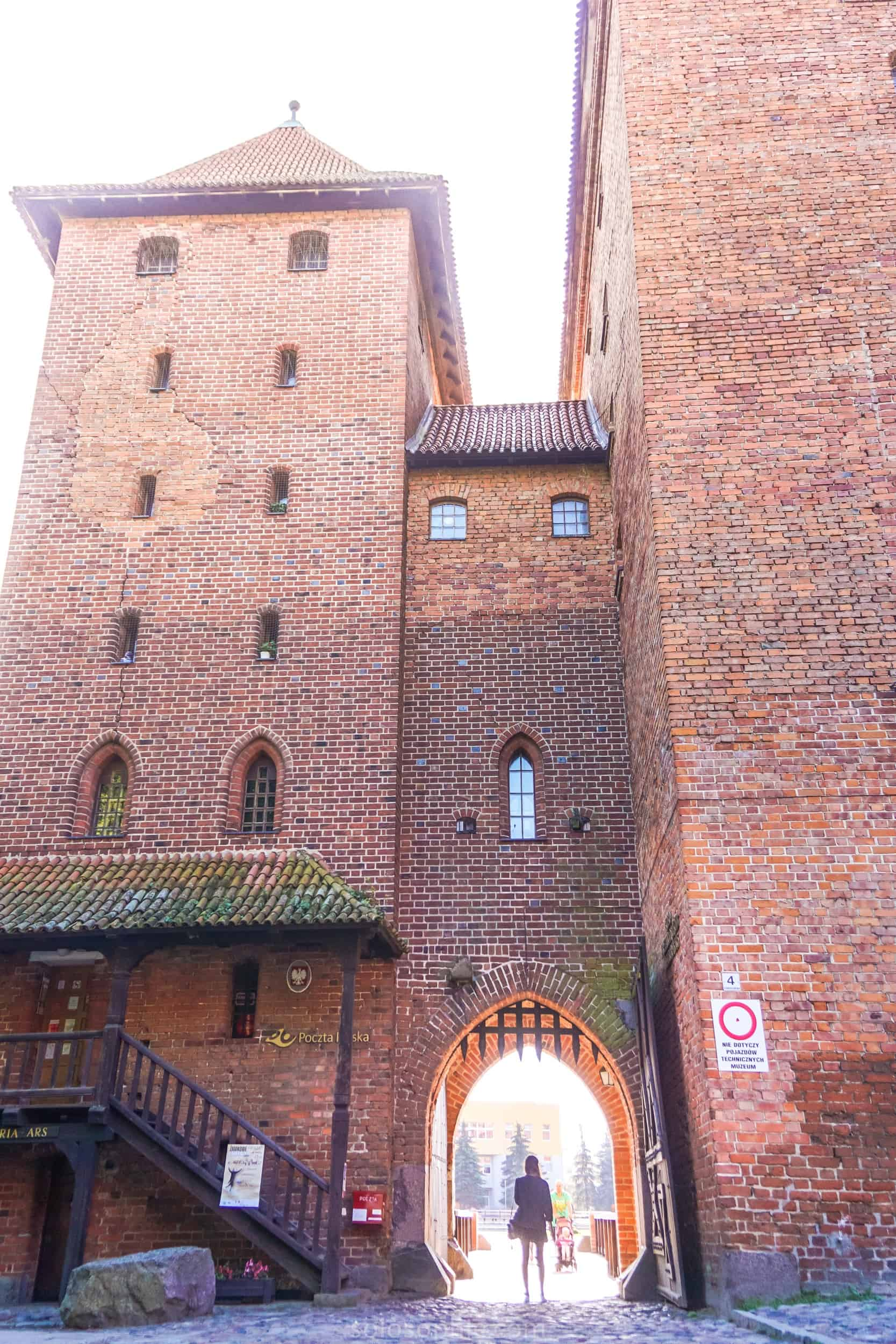 Visiting the largest Castle in the world: Malbork Castle, an easy day trip from Gdańsk, Poland