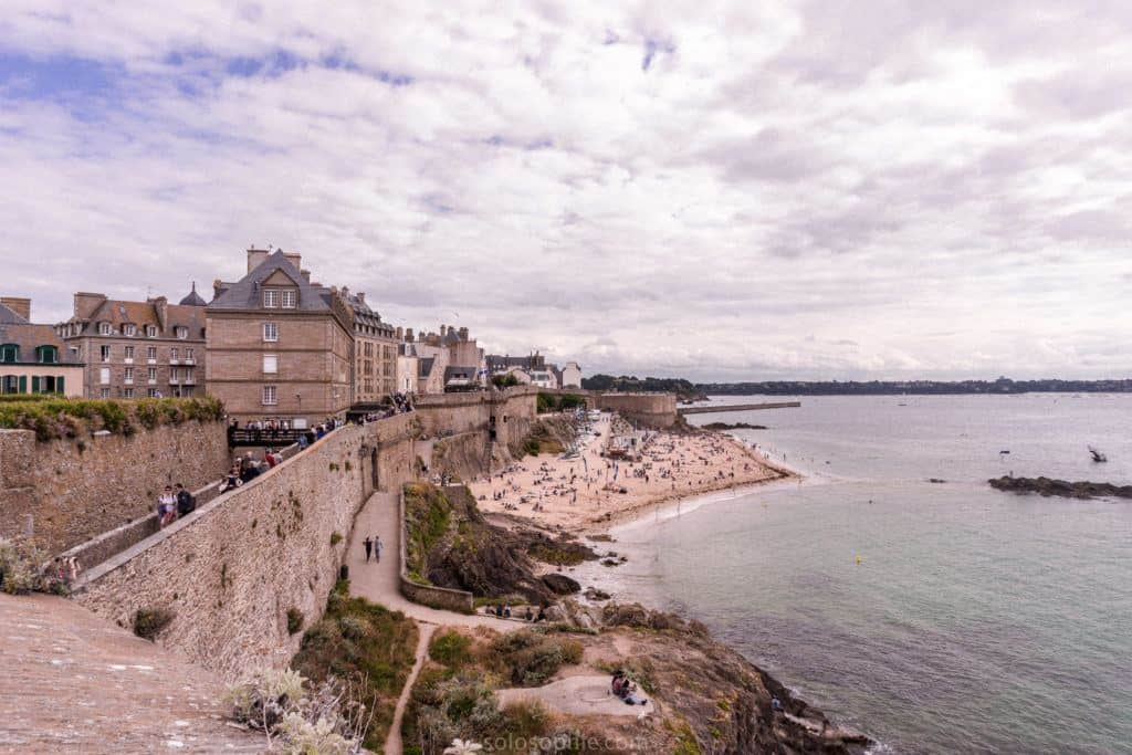 Top things to do in Brittany, very best things to do in Western France: walled city of Saint Malo