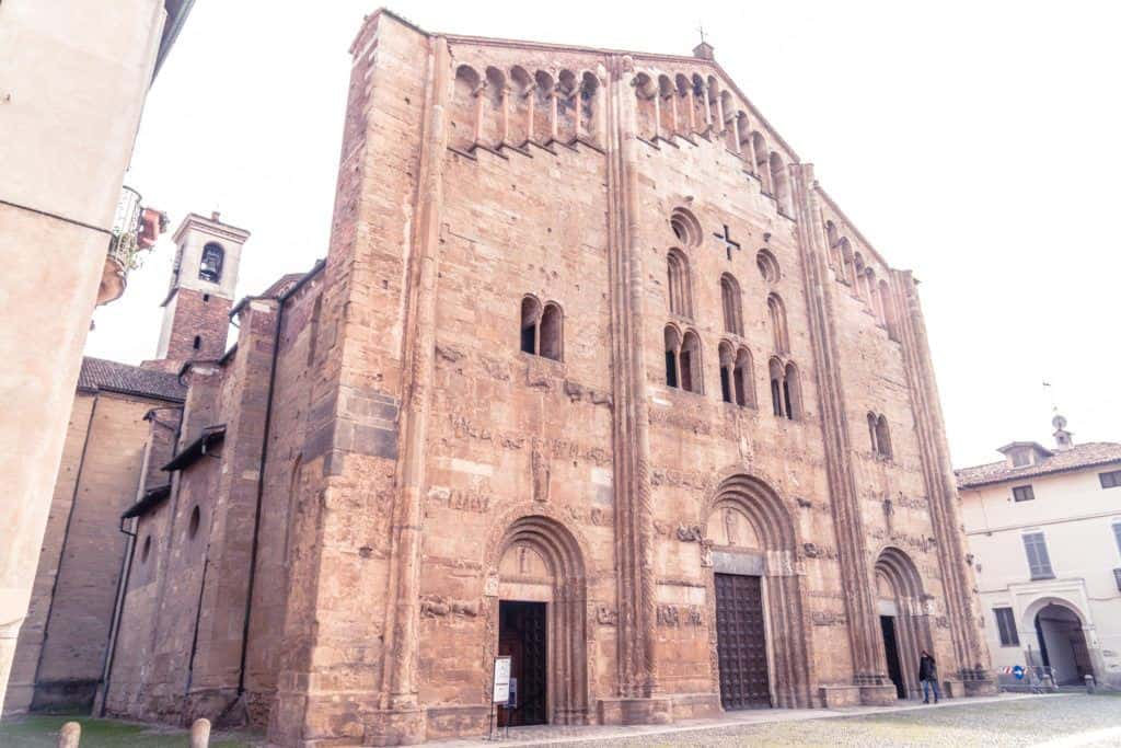 Best things to do in Pavia: 11th century San Michele Basilica