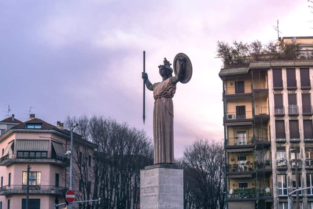Best things to do in Pavia: Minerva statue
