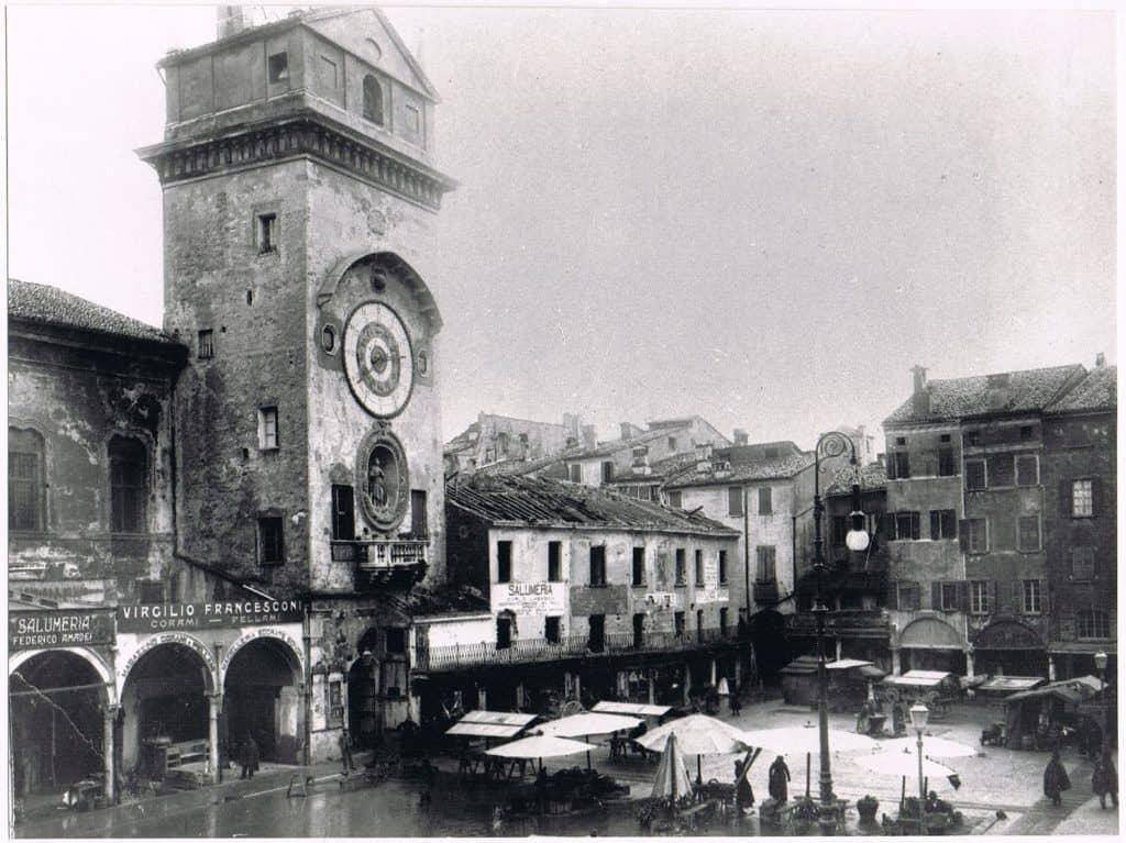 Mantua 1907 main town square