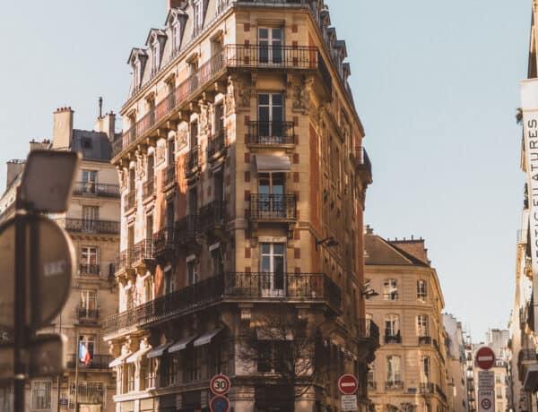 Flat iron building Paris France 75002