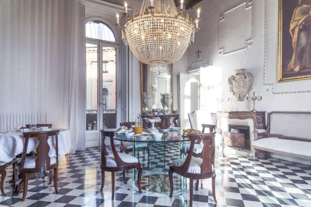 Dining and lounge area, Galleria Arnaboldi