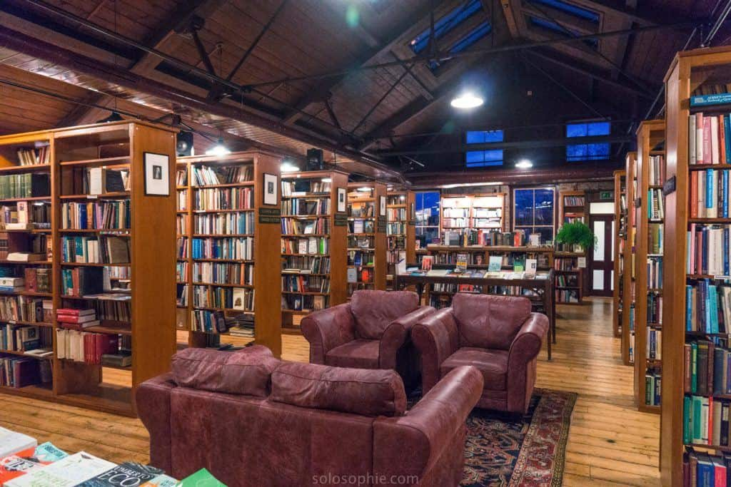 Hay-on-Wye guide, a book town for bibliophiles in South Wales: hay on wye booksellers