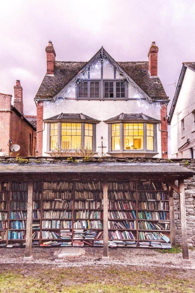 Hay-on-Wye guide, a book town for bibliophiles in South Wales: open air bookshelf