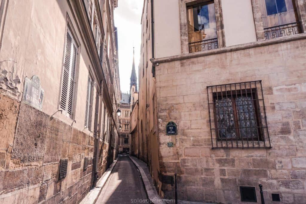 Rue des Chantres, a little-known lane in Île de la Cité, Paris, France