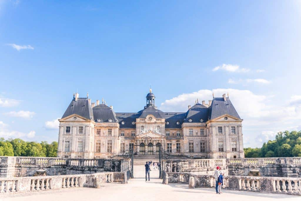 Vaux le Vicomte façade: a beautiful French mansion house in France