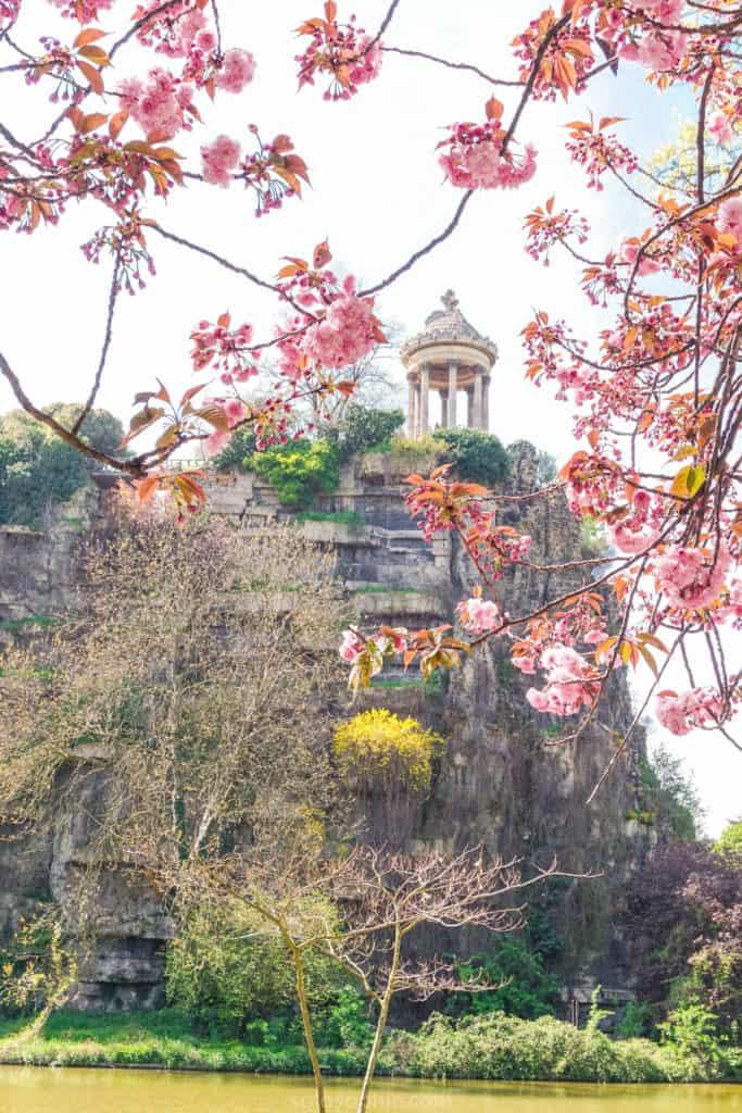 Parc des Buttes Chaumont, 19e arrondissement, Paris, France: