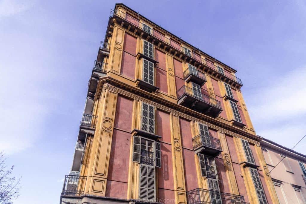 Fetta di Polenta: A Slice of a Strange Building in Turin, Piedmont, Italy: facade