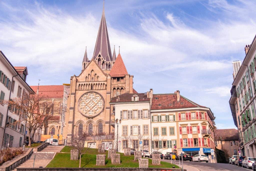 Day trip to Lausanne, Switzerland. Best things to do in Lausanne, a pretty Swiss town with museums and views onto the Alps. Ferry day trip from Evian les Bains in France to Lausanne in Switzerland. Lausanne old town