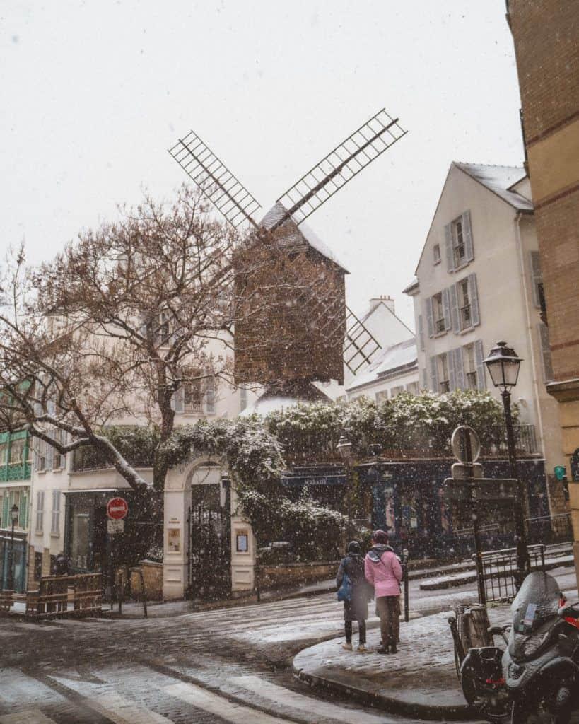 moulin de la galette snow in paris