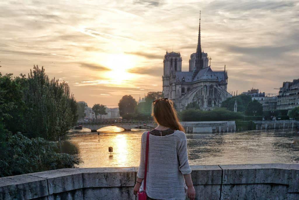 Paris floods, France: history, legend and photos: sunset and notre dame