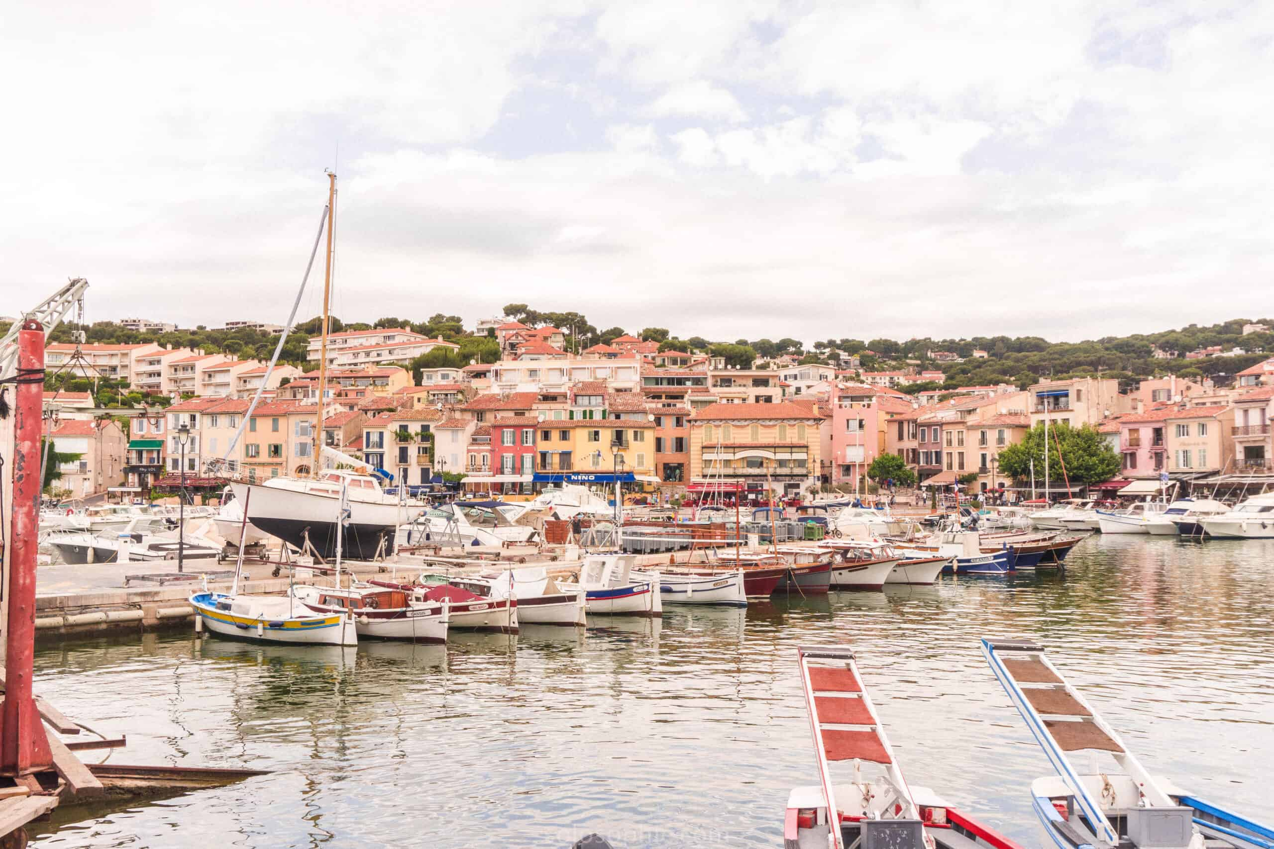Books about Provence: Guide to the Best Things to do in Cassis, A Stunning Provençal Town, Provence, France