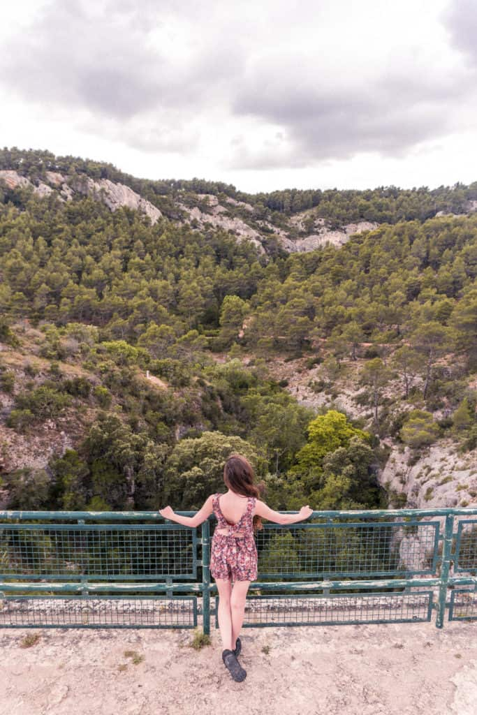 10 best day trips from Aix-en-Provence that you'll actually want to go on! Coastal towns, National Parks, mountains to climb & cities to explore. Provence, France
