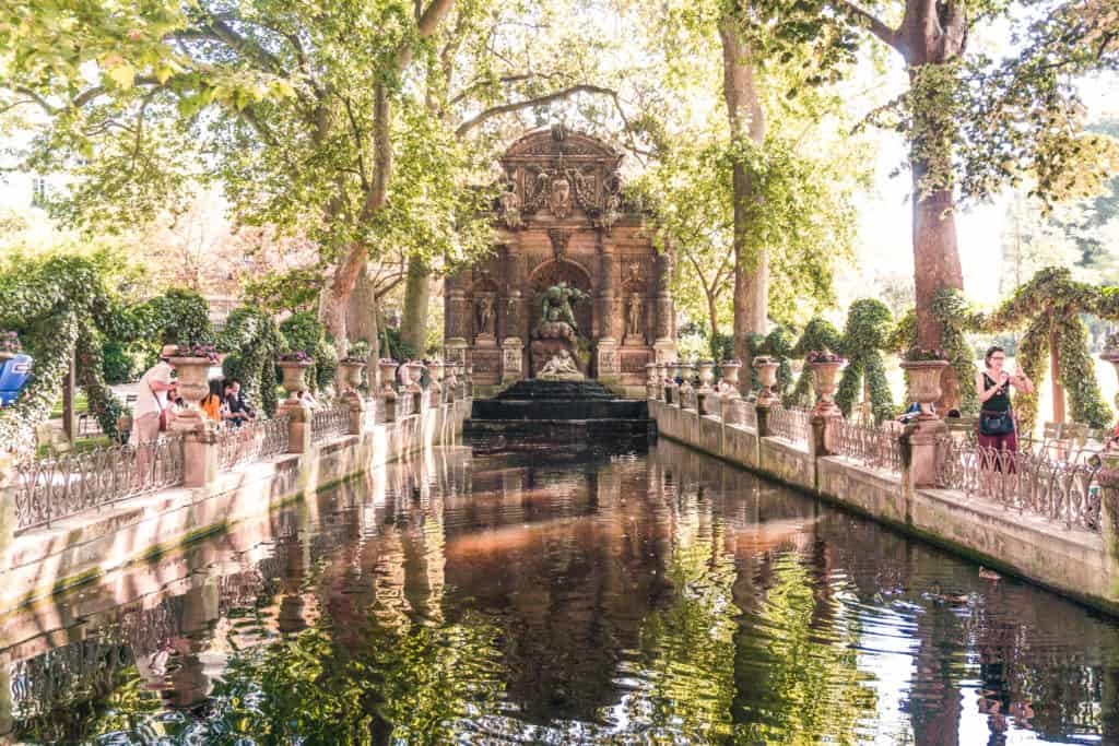 Seeking History at the Medici Fountain (La Fontaine Médicis), Jardin du Luxembourg, Paris, France. Where to find the prettiest water feature in the French capital!